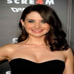 Alison Brie Measurements & Bra Size