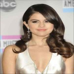 Selena Gomez Bra Size, Height, Weight, Measurements & Profile