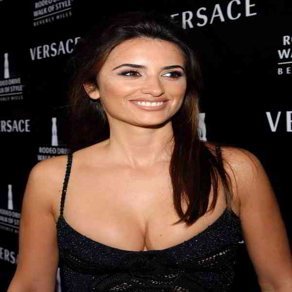 Penelope Cruz Bra Size and Body Measurementss