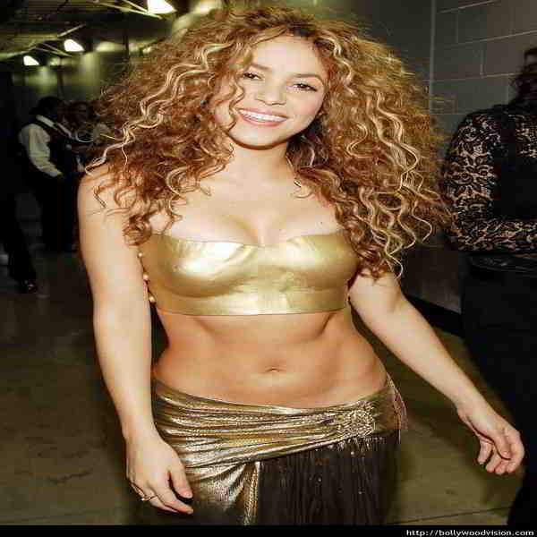 Shakira breast and bra size measurements