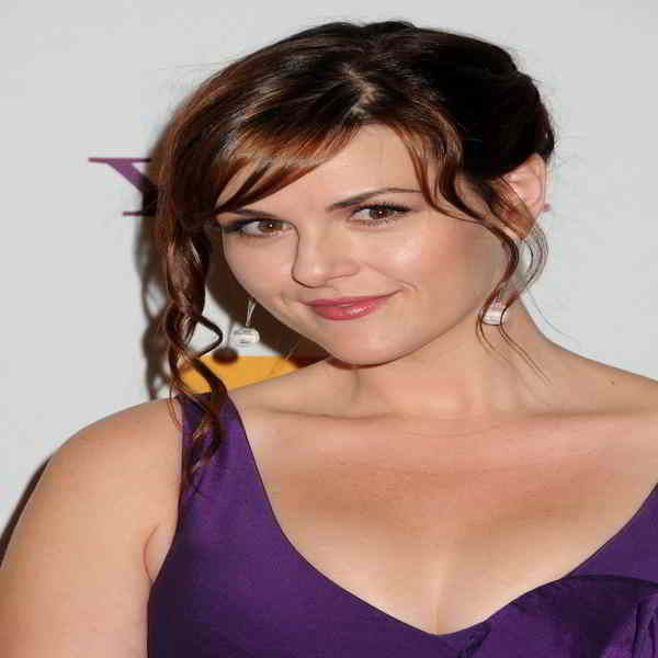 Sara Rue Bra Size and Body Measurements