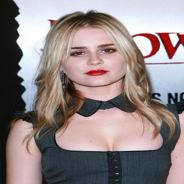 Alison Lohman Bra Size Measurements