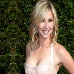 Sarah Chalke Bra Size Measurements