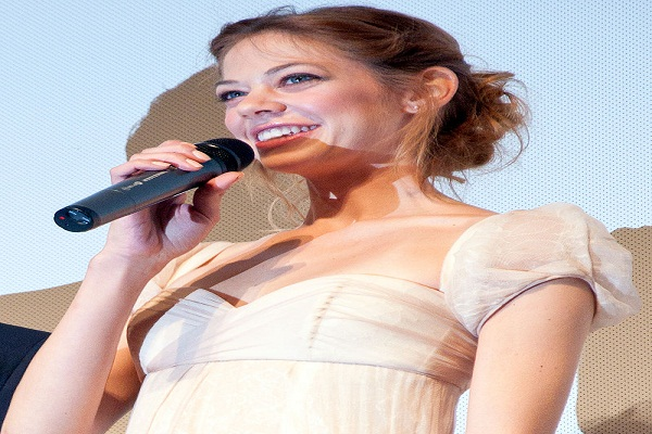 Analeigh Tipton Bra Size And Body Measurements
